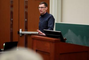 Professor Nachbar at podium
